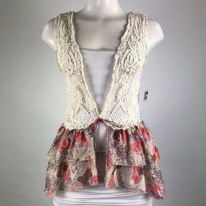 Jackets & Blazers - White Lace Flower Print Vest Size S